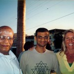 Janike Robinson with Pattabhi Jois and R Sharath
