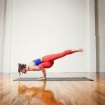 Infinite Yoga Teacher Nicole Zuelke - ekapada koundinyasana-I